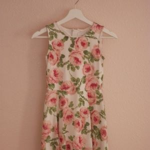 Inspired Dresses Bunch Size 10-12 L